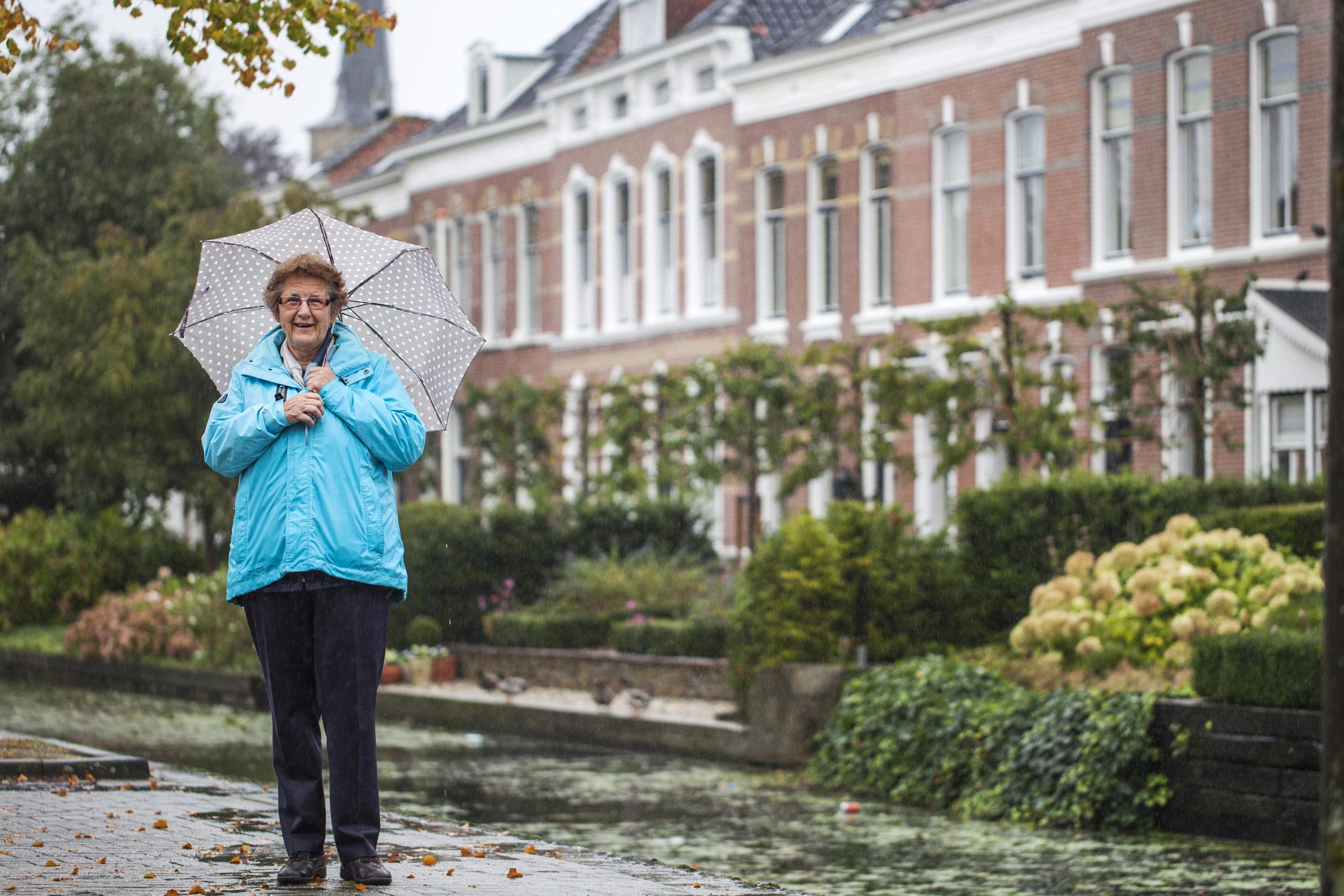 Alie van den Berg van de Historische Vereniging Oud-Beijerland